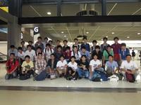 成田空港で集合写真.JPG