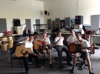 音楽の授業でギター!.jpeg