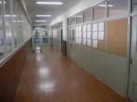 中1前廊下.JPG